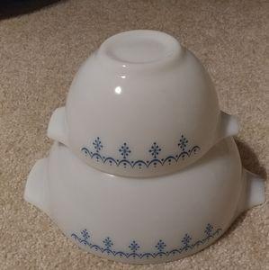 Vintage Pyrex Snowflake Bowls